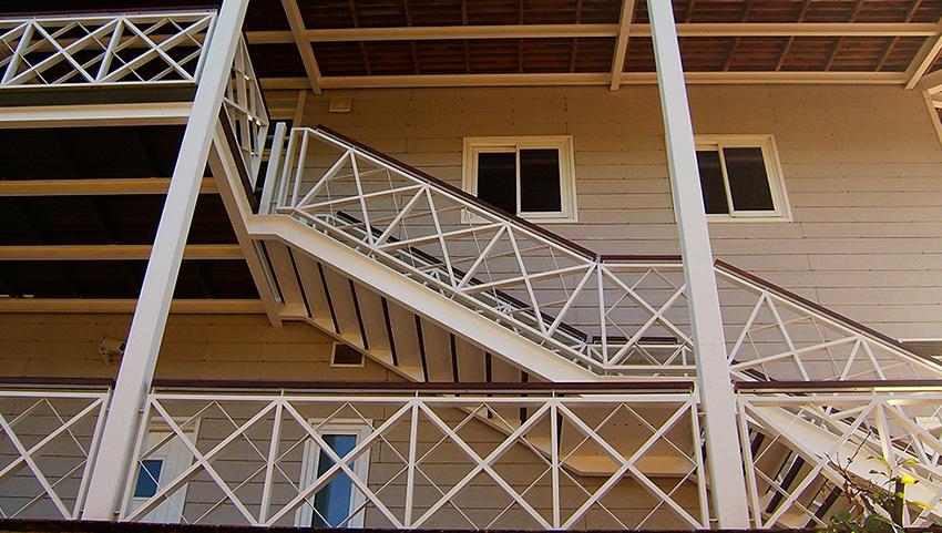 AC-el-portil-golf-escalera