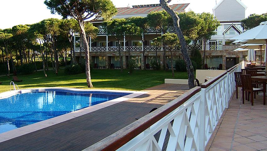 AC-el-portil-golf-piscina